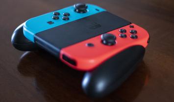 Nintendo Switch「3万円です」PS4「3万円です」ワイ「…!」