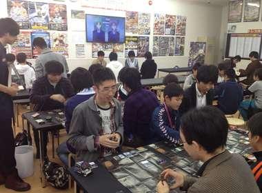 【悲報】カードゲーム業界、去年から21%以上も売り上げを落としてしまう…
