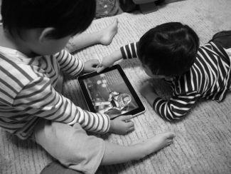 スマホゲーム、子どもの無断決済急増が深刻 「親が見てないところでクレカ決済、料金請求」