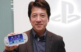 ソニー河野氏 「PS4とVitaが大変好評。供給が追いつかず一部店頭で品切れを起こしておりすいませんw」
