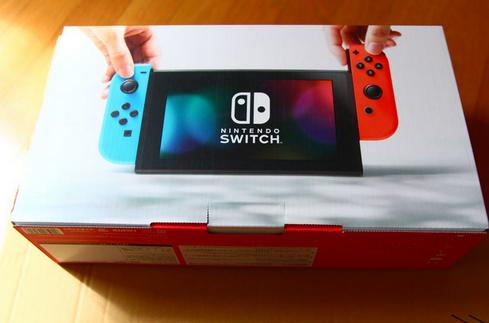 ワイ「お、Switchの箱あるって事は売ってるんか!?」店「売り切れ」