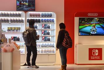 【韓国】コロナ効果で家で遊べるPS4とNintendo Switchがバカ売れ