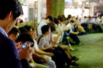【悲報】「ポケモンGO」、ユーザー数が全盛期と比べ8割も減少 どうしてこうなった…