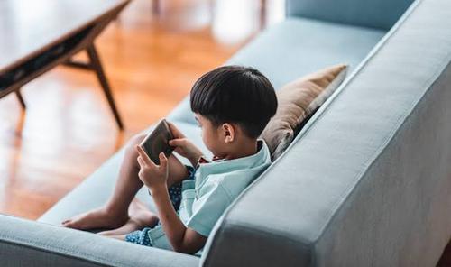 【悲報】中国「未成年のゲームは一日1時間半まで、夜間は禁止、実名登録必須」依存症対策で