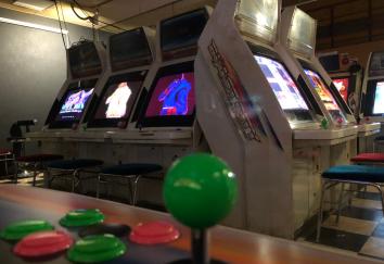 【悲報】ゲームセンターさん、全盛期の2万6000店から4000店台にまで減少 一体なにが…