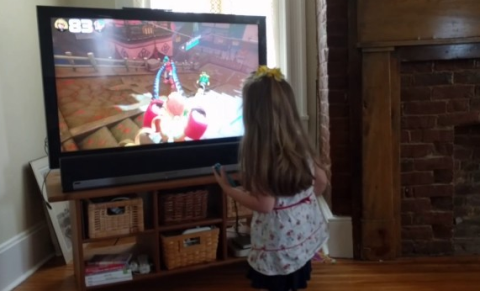 【朗報】スイッチ「ARMS」を外人幼女が楽しそうにプレイする動画が話題に!これもう海外爆売確定だろwww