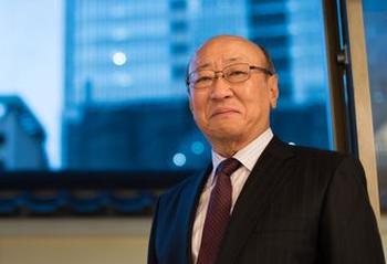岩田社長の公約営業利益1000億をあっさり君島社長が達成してしまう