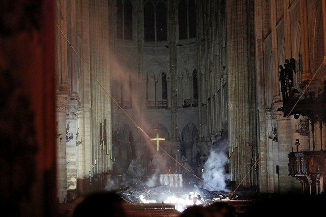 ソウル信者「鎮火したノートルダム大聖堂が完全にダークソウルの世界」ニチャァ…