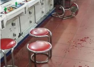 ゲーセンの格ゲーで5連敗した人が相手に椅子を投げつけ傷害事件に発展!現場の血がヤバイ
