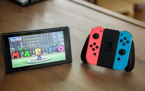 3DS「3D機能!」PSvita「背面タッチ!」switch「...」