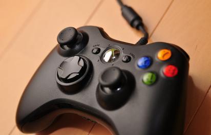 PCゲーマー「PS5のコントローラーがすごすぎるけど…我々PCゲーマーは箱コンじゃないとだめなのだ」