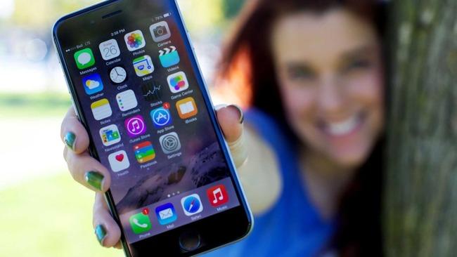 iPhone持ってるやつって主に何目的で使ってるんだよ