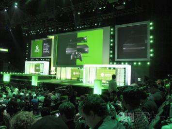 Xbox360ユーザー「うおおおお360サイコー!」→XboxOne発売!!