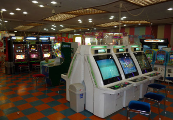 【悲報】若者のゲームセンター離れが深刻