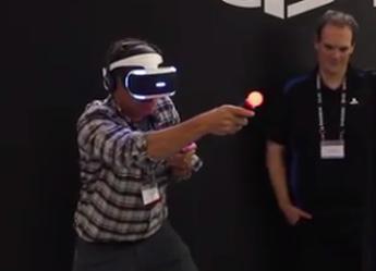 PS Moveを併用した「Project Morpheus」デモ映像が凄いけど不審者っぽさの方がもっと凄いと話題に
