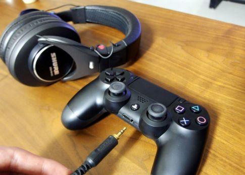 PS4のコントローラーにイヤホン接続した結果wwwwww