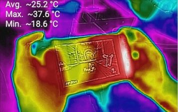 【画像】ニンテンドースイッチをサーモグラフィーで見てみた結果wwwwww