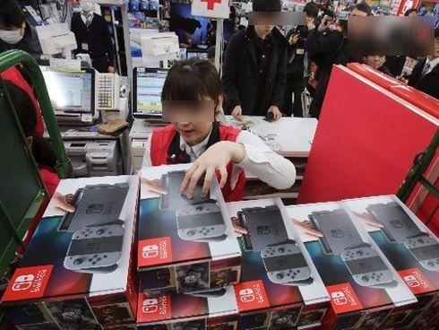 【朗報】米国ブラックフライデーでもっと売れたのは『NintendoSwitch』