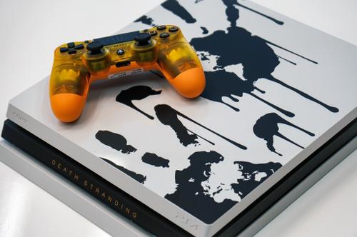 【朗報】デススト同梱版「PS4Pro DEATH STRANDING LIMITED EDITION」が数量限定399.99ドルでで11/8発売決定!!