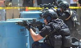 【悲報】ネトゲユーザー「負けた、ムカつくなー…せや!適当な住所で通報してからかったろwww」→ SWAT(米特殊部隊)が突撃して無関係の住民を射殺