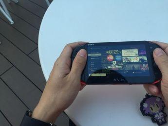 電車の中で3DSやるのと、スマホでゲームやるの。なんで、3DSだけ、軽蔑されるの?