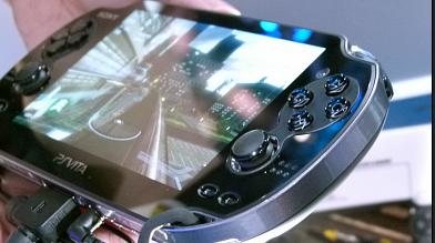 なぜ「SIMカードを挿して携帯できるゲーム機」が標準化しないのか?