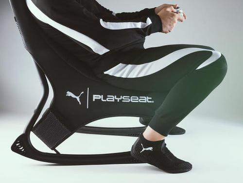 【eスポーツ】ゲーミング靴下、爆誕。「探索モード」や「攻撃モード」に切り替え可能に