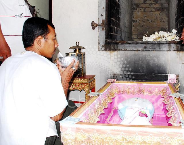 ドラえもんが死亡。タイで葬儀-001_3