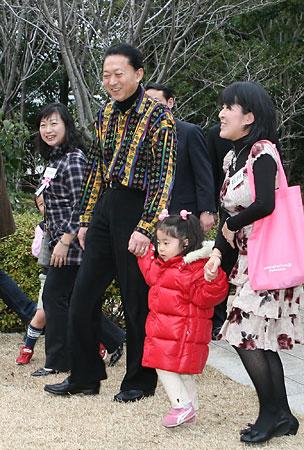 鳩山の服装が凄い件について-001_4