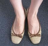 javari.jpで頼んだぺたんこ靴。麻の感じが夏らしい