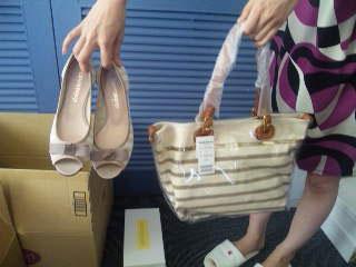 まるでセットみたい!靴とバッグを合わせて