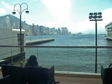 九龍半島側から香港島を見る