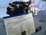 富士重工のエンジン展示です。