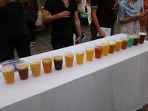 地ビールのイベントではいろいろなビールの飲み比べができる