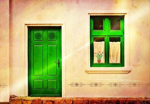 house-facade-882533_960_720