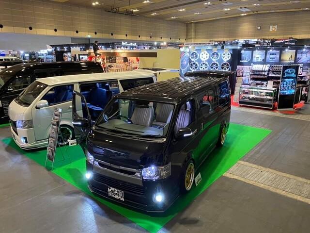 大阪オートメッセ出展車両2台展示