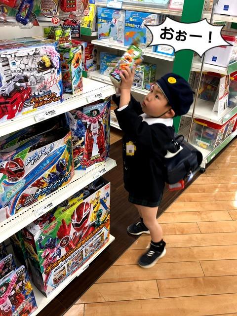 恐怖! 新シリーズスタート後のおもちゃ売り場。