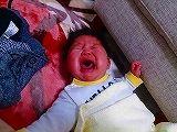 泣き止まない息子を寝かし付ける、とおちゃんの必殺技!