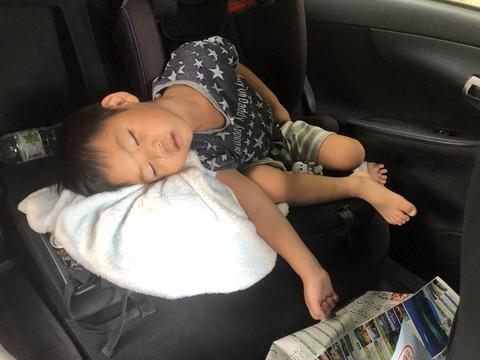 上手になった車での寝方!
