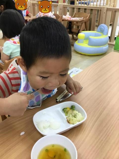 保育園ではこんなにしっかり食べるのに、家ではなぜこうなる・・・。