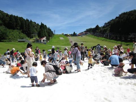 今年の夏もやっぱり「真夏の雪祭り」!! 六甲カンツリーハウス ①
