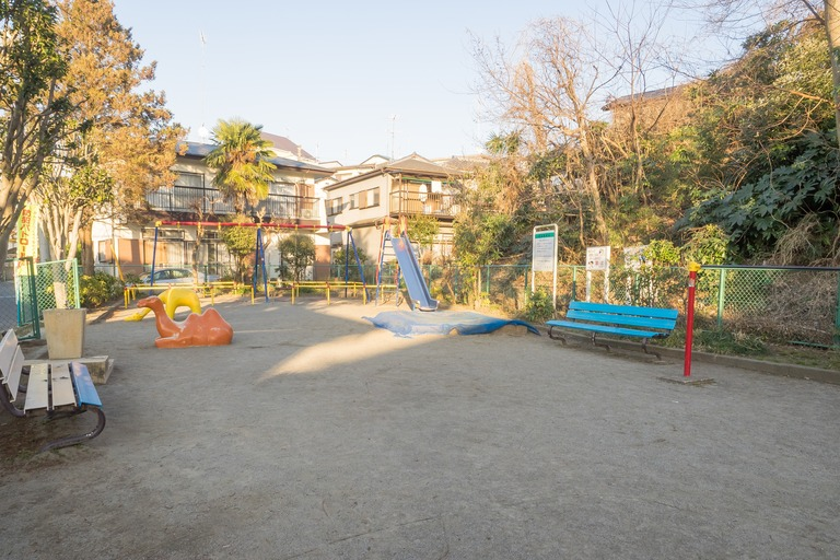 山ゆり児童遊園