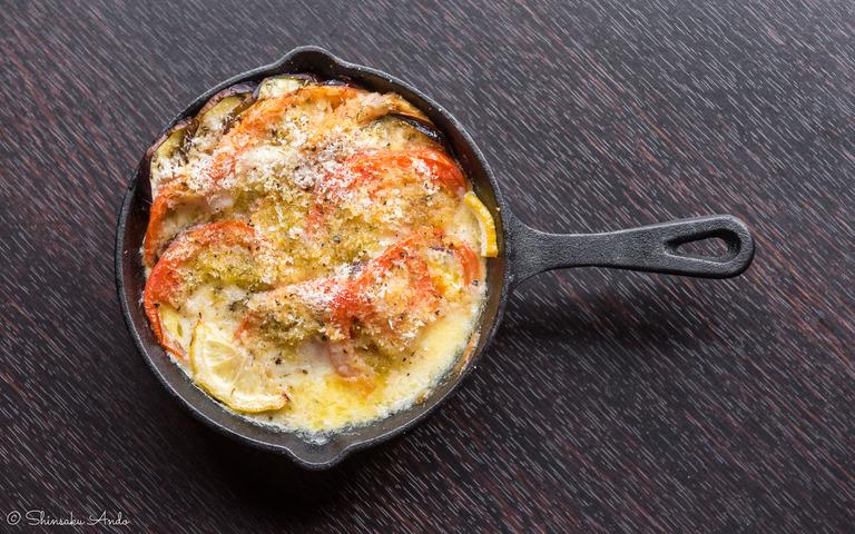 モッツアレラチーズとナス、トマトのグリル