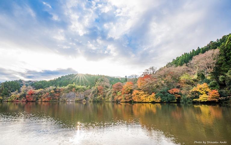 君津市亀山湖の紅葉クルーズ20161211-13