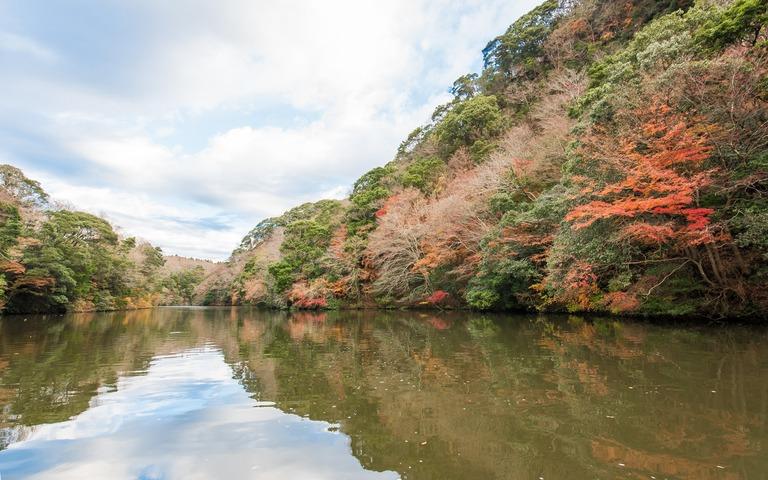 君津市亀山湖の紅葉クルーズ20161211-9