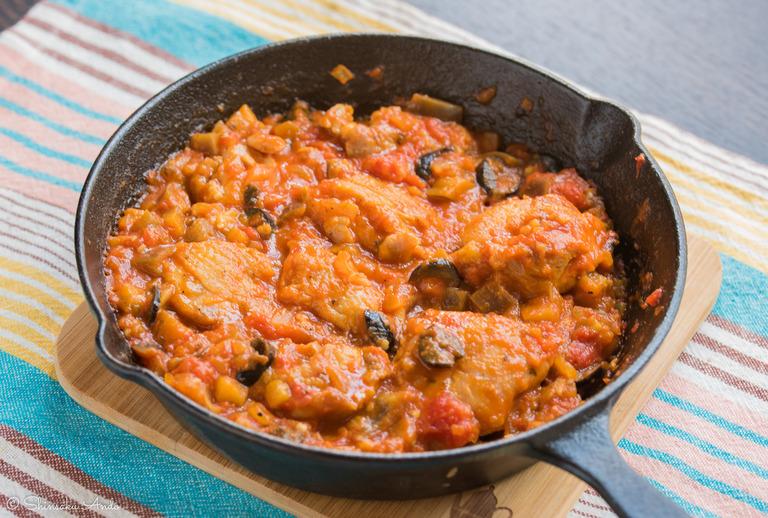 ニトリのスキレットレシピ④_鶏もも肉のトマト煮込み