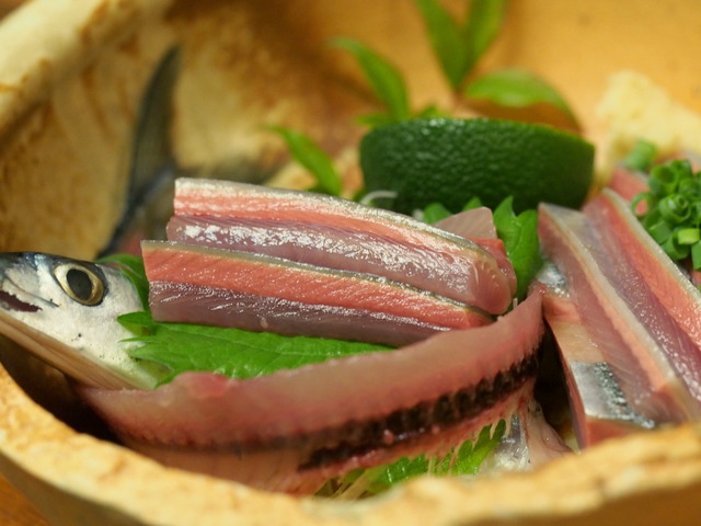 楽膳の秋刀魚刺し