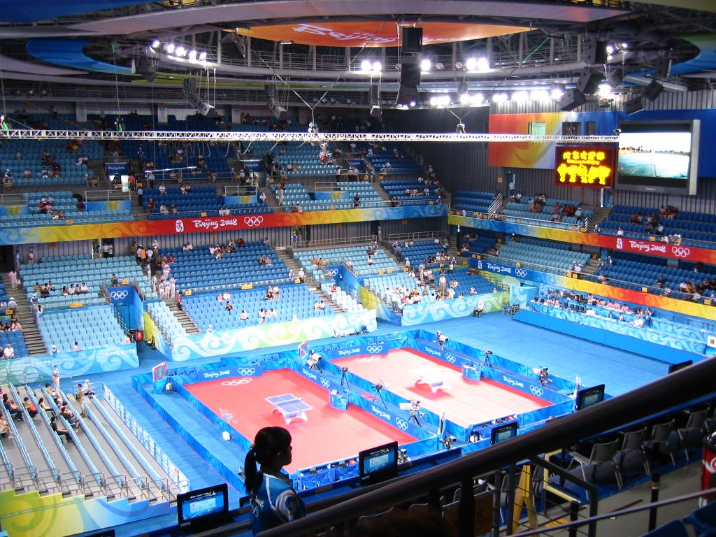 会場はオリンピックの雰囲気で ...
