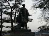 玉川兄弟の像