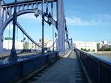 清洲橋の橋上で